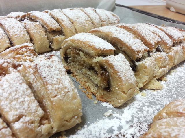עוגיות רולדה במילוי תמרים