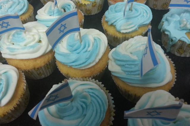 קאפקייקס בכחול-לבן ליום העצמאות