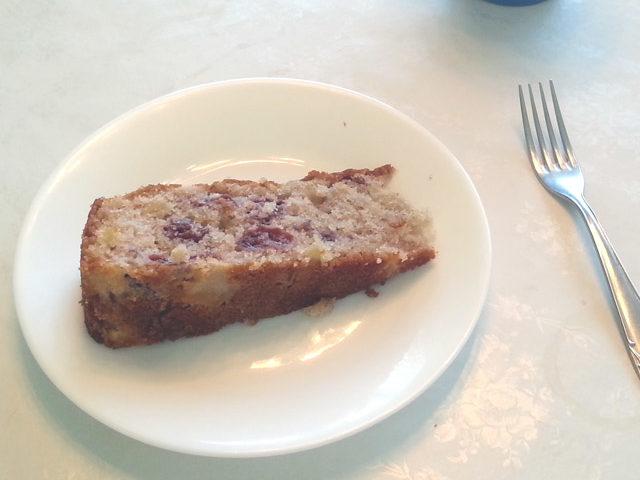 עוגת דובדבנים ותפוחים