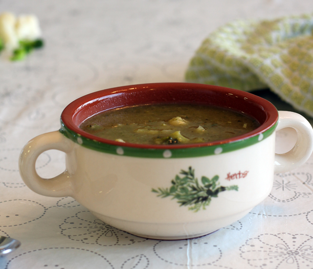 מרק ברוקולי וכרובית דיאטטי