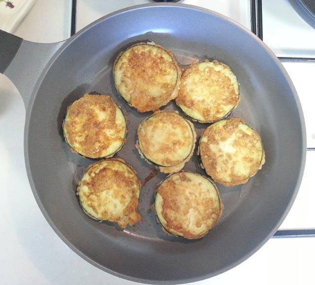 פרוסות חצילים עם ביצה