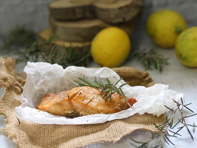 דג סלמון אפוי בתנור