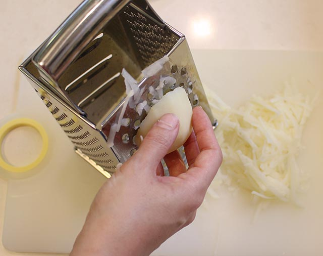 מגררים תפוחי אדמה ובצל