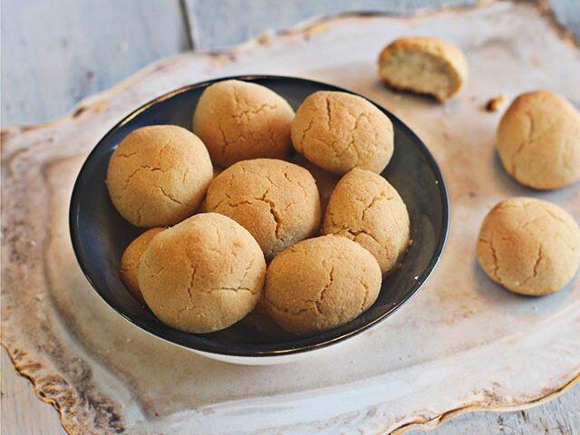 עוגיות ממרח שומשום וקוקוס ללא גלוטן